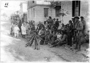 soldiers and children in volos 1917-ED